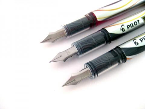 Pilot Vpen Fountain Pen (Fine Nib) - Red